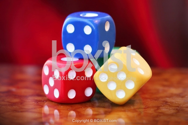 Dices in Colors