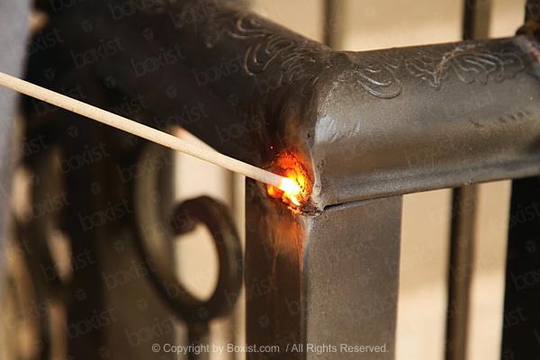 100 New Zealand Dollars Banknote