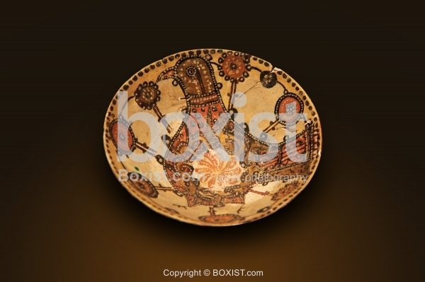 Bowl with Bird Painting from the Seljuk Period 12th Century