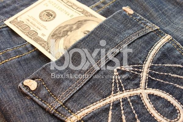 100 Dollar in Jeans Pocket